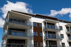 Nybyggda lägenheter Arkivfoto