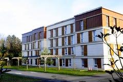 Nybyggnad i en ny grannskap Fotografering för Bildbyråer