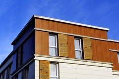 Nybyggnad i en ny grannskap Arkivbilder