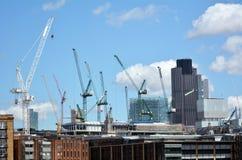 Nybyggnadbyggnader i stad av London Fotografering för Bildbyråer