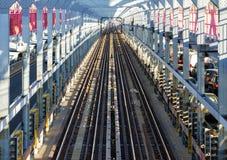 NYC横跨威廉斯堡桥梁的地铁轨道在纽约Cit 库存照片