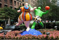 NYC: Γλυπτά Αγίου Phalle στοκ φωτογραφία με δικαίωμα ελεύθερης χρήσης
