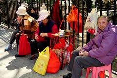 NYC: 4 женщины в Чайна-тауне Стоковое фото RF