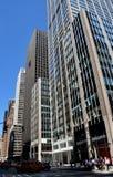 NYC :在第六条大道的公司办公室塔 免版税库存图片