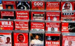 NYC :摊贩卖的宗教DVD 库存照片