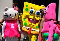 NYC :海绵鲍伯和朋友在时代广场 免版税库存照片