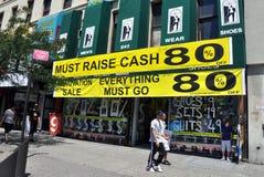 NYC : 在哈林存储有销售额 免版税图库摄影