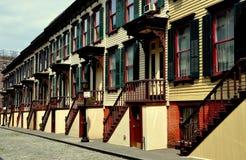 NYC :1882斯尔烷大阳台行格住宅 免版税库存照片