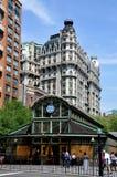 NYC: 72nd quiosque ocidental do metro da rua Fotografia de Stock Royalty Free