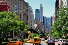 NYC: Ansicht entlang Park Avenue Stockbilder