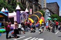 NYC: Avenida de Amsterdão. Festival da rua foto de stock