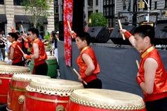 NYC: Bateristas taiwaneses no festival Imagens de Stock Royalty Free