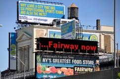 NYC: Bekanntmachen der Anschlagtafeln u. der Zeichen lizenzfreies stockbild