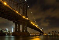 NYC-Bruggen bij nacht Stock Afbeelding