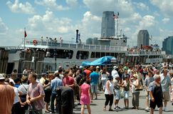 NYC: Crowds in Battery Park Royalty Free Stock Image