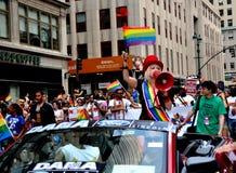 NYC: Cyndia Lauper na parada do orgulho de 2012 homossexual Fotografia de Stock