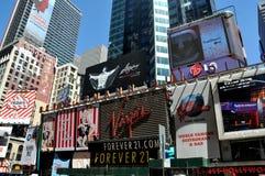NYC: De Aanplakborden van het Times Square Royalty-vrije Stock Afbeeldingen