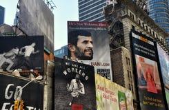 NYC: De Aanplakborden van het Times Square Stock Foto's