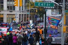 2014 NYC-de Leider Pack van Marathonmensen Stock Afbeelding