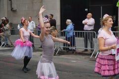 2015 NYC-Deel 2 26 van de Dansparade Stock Afbeeldingen