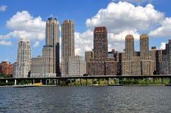NYC:  Den lyxiga lägenheten står högt på trumfstaden Royaltyfri Bild