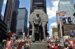 Free NYC: Father Duffy Statue In Duffy Square Stock Photo - 14325710