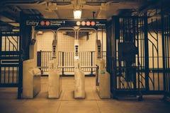 NYC-gångtunnelbil arkivbilder