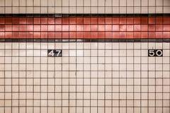 NYC-gångtunnelvägg Arkivbild