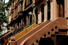 NYC: Harlem rödbruna sandstenar Royaltyfri Foto