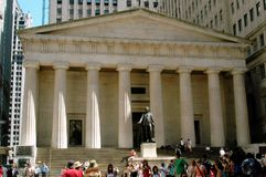 NYC: Historic Federal Hall. NYC: FEDERAL HALL WITH STATUE OF GEORGE WASHINGTON MARKS THE SPOT WHERE HE WAS SWORN IN AS THE FIRST PRESIDENT OF THE USA ON 30 APRIL royalty free stock photos