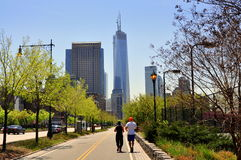 NYC: Hudson River Park och Freedom Tower Royaltyfria Foton
