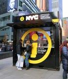 NYC-Informatiecabine Stock Afbeeldingen