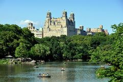 NYC: Lago boating del Central Park Immagini Stock