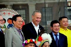 NYC : Le sénateur Charles Schumer au festival taiwanais Photos stock