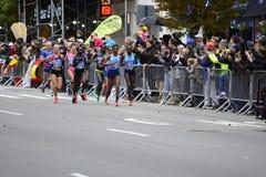 2017 NYC-Marathon - Elitevrouwen Stock Afbeelding