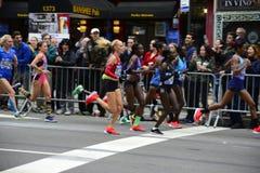2017 NYC-Marathon - Elitevrouwen royalty-vrije stock foto