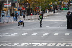 2014 NYC-Marathonansicht über 1. Allee Stockfotos
