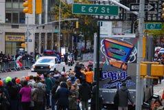 2014 NYC-Marathonansicht über 1. Allee Lizenzfreie Stockfotografie