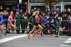 2017 NYC maraton - elita kobiety obrazy stock