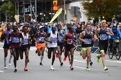 2017 NYC maraton - mężczyzna elita lidery obraz royalty free