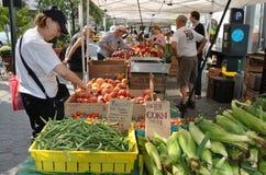 NYC: Markt des Lincoln-quadratischen Landwirts Stockfotos