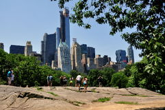 NYC: MidtownManhattan horisont Royaltyfri Foto