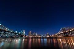 NYC-nattlandskap fotografering för bildbyråer