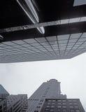 NYC - oben schauend Das Chrysler-Gebäude Stockfotos