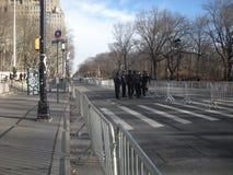 NYC ochrona, funkcjonariuszi policji w ulicie, central park Zachodni, NYC, NY, usa zdjęcie stock