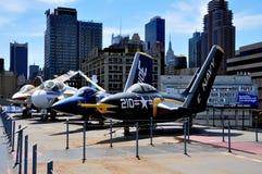 NYC: Oförskräckt museum Jet Aircraft Arkivbild