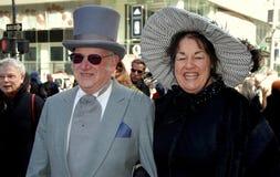 NYC: Paar in Uitstekende Kleding bij de Pasen-Parade Stock Fotografie