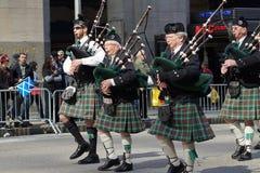 2015 NYC Parade 244 van de Geruit Schots wollen stofdag Stock Foto's