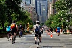 NYC; Park Avenue il giorno delle vie di estate fotografia stock