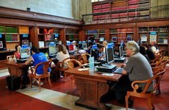 NYC: People with Computers at NY Public Library Stock Images